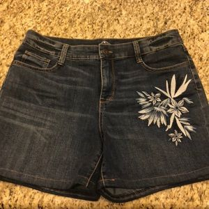 St. John Bay plus S -16p women shorts embroidery